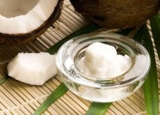 how-to-clean-your-face-with-coconut-oil