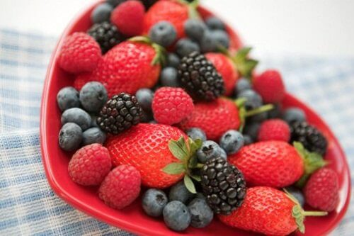 you can eat red fruits to get rid of love handles