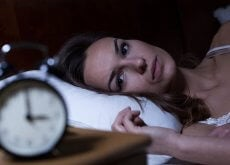 woman-in-bed-with-insomnia