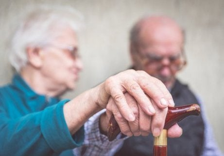 Hot to prevent Alzheimer's disease in old people
