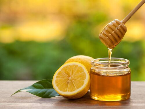 Lemon and honey syrup