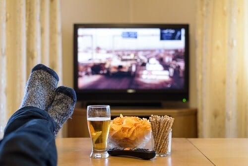 Telkkari ja herkut