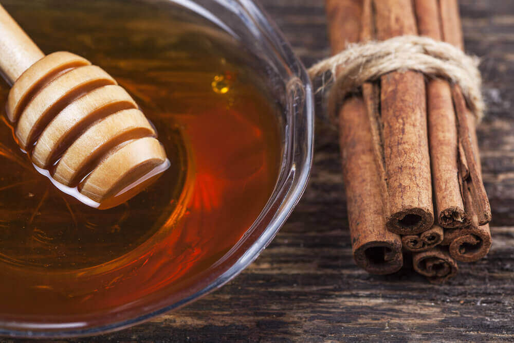 Cinnamon sticks and honey.