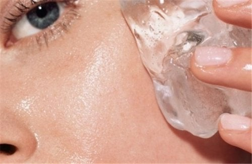 Applying ice to your skin