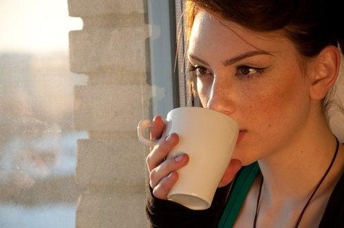 juo teetä