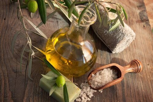 olive oil and sea salt to relieve knee pain