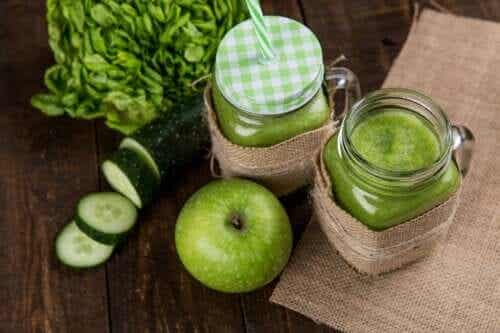 Four Delicious Drinks to Detox Your Colon