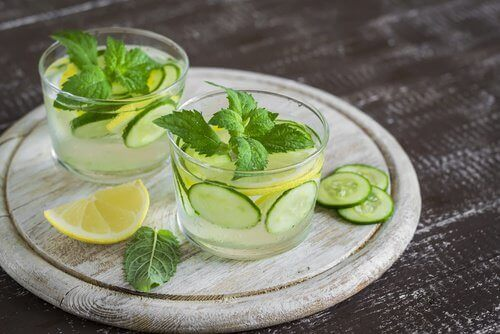 Cucumber in drinks that are even healthier than water