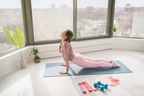 5 Back Stretches to Naturally Relieve Back Pain