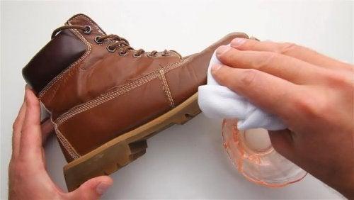Man polishing shoe