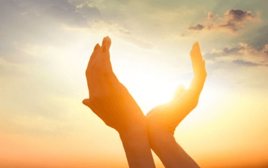 kädet ja aurinko