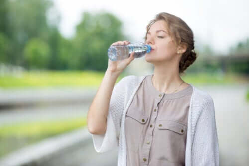 The Effects of Drinking Water on an Empty Stomach