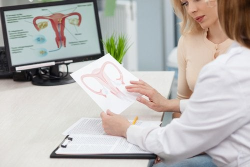 Doctor presenting facts about ovarian cancer