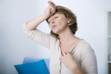 hot flashes are a common symptom for menopause