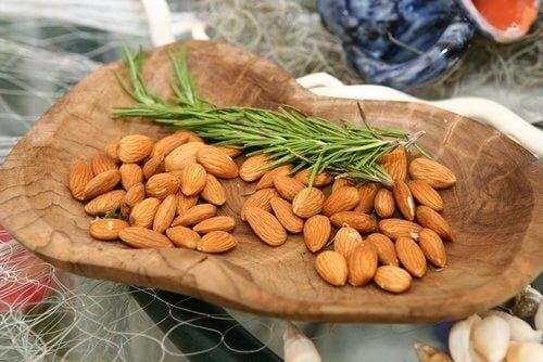 Cleanse Your Skin with Almonds and Rosemary Water