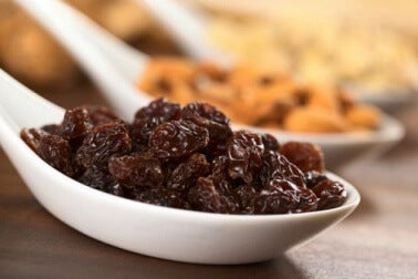A spoonful of raisins