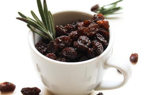 Reasons to Eat Raisins in the Morning