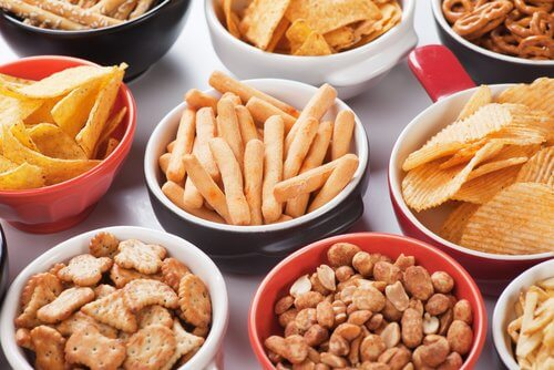 People with asthma should avoid salty snacks