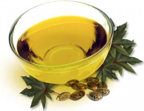 Castor oil in a glass bowl.
