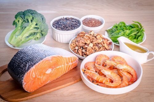 Foods rich in fatty acids sitting on a wooden table