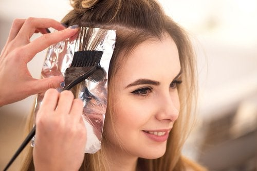 aluminum foil beauty tips for your hair