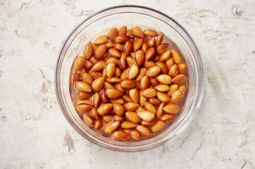 Discover the Benefits of Soak Almonds