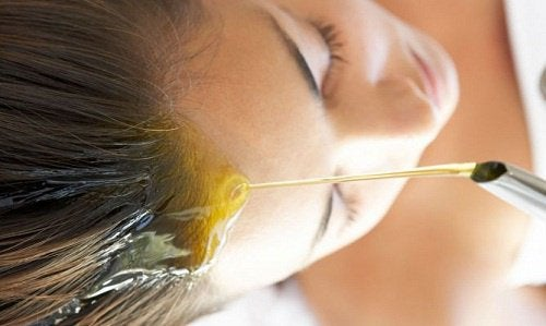 Pour use olive oil on scalp