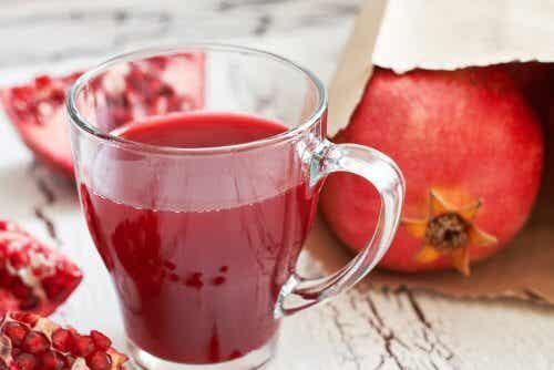 Pomegranate juice - seven amazing benefits
