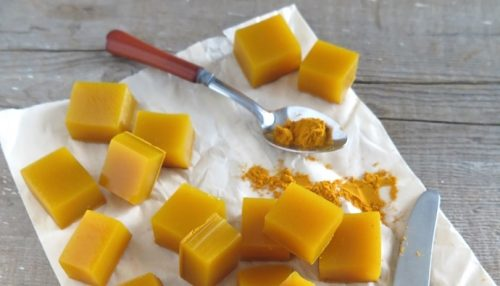 These are honey and turmeric gelatin squares.