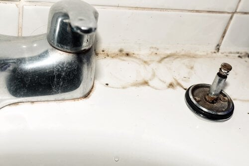 Five Tips for Cleaning Your Faucets