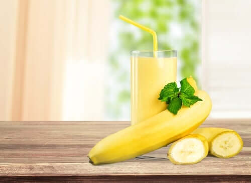 A banana shake is a great way to promote a comfortable bowel movement.