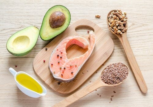 Several foods containing healthy fats.