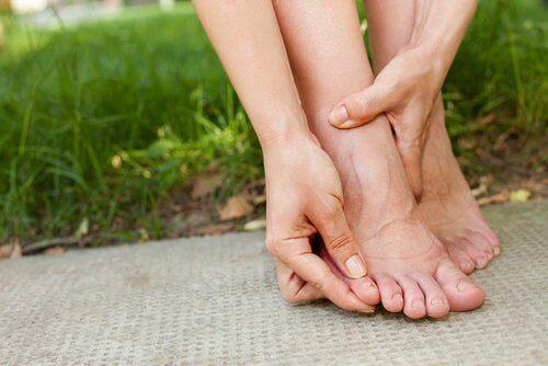 fluid retention in foot