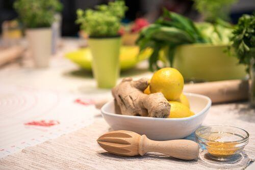 Ginger and lemons in a bowl