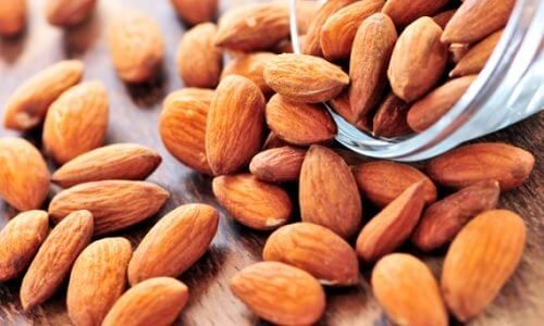 5 Ways To Clear Up Your Skin With Almonds