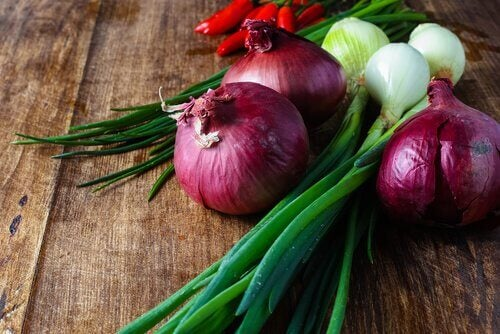 onions and chilis may be the reason your urine smells