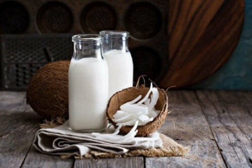 Some coconut milk for a protein-rich hair mask.