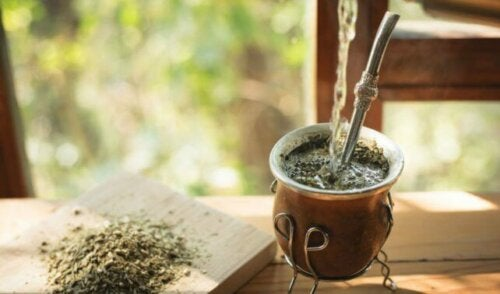 Some yerba mate that helps the body.