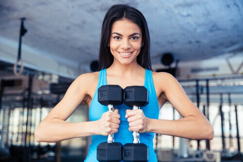 Exercise myths include the belief that lifting weights makes you bulk up.