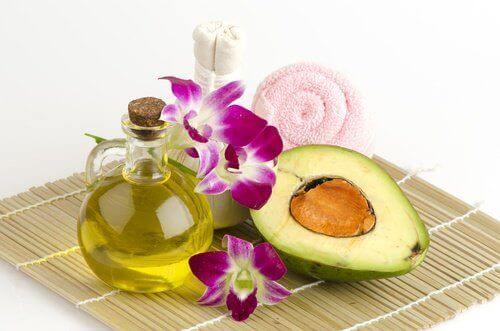 Avocado oil used as remedy to prevent wrinkled hands