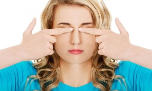 7 Easy Exercises To Take Care Of Your Eyes And Avoid Headaches