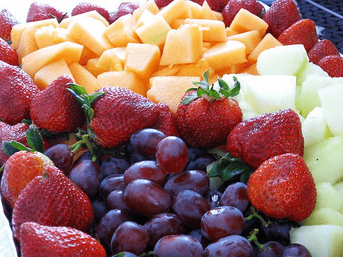 fresh fruits are foods that reduce stretch marks