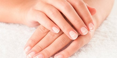 9 Tips for Naturally Taking Care of Your Nails, Inside and Out