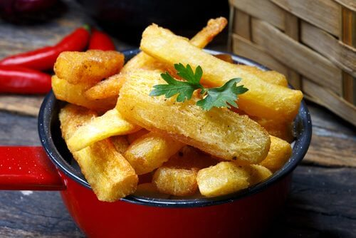 A bowl of fried cassava.