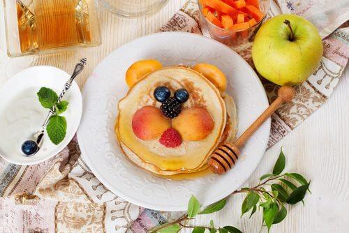 당뇨병 환자를 위한 5가지 저칼로리 아침 식사 배 생강 팬케이크
