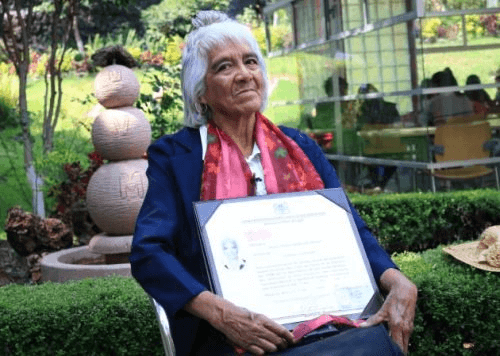 Maria Dolores Ballesteros, the 80-Year-Old Mexican Woman with Three University Degrees
