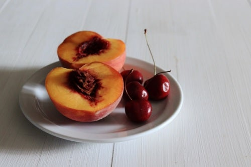 peaches and cherries help fight arthritis