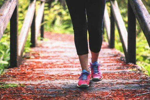 무릎 통증에 좋은 5가지 운동