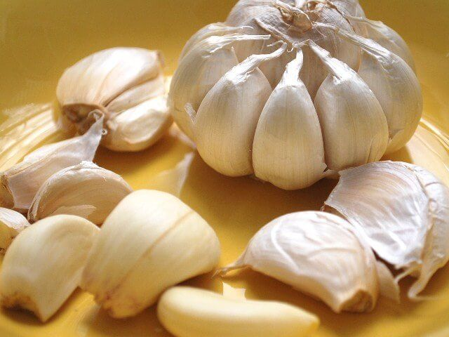Some garlic cloves