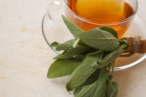 Treat pharyngitis with thyme
